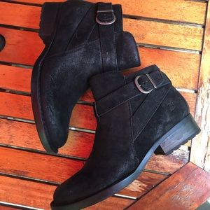 NWOT Born Triculo Black Leather Distressed Bootie